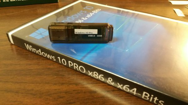 Windows 10 Professional legal and one 32GB USB installation drive