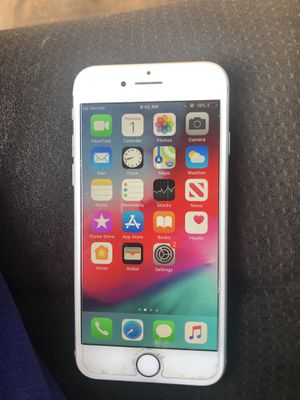 iPhone 8 64 gb for Sale in Duluth, GA