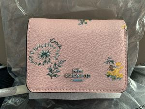 Coach Small Trifold Wallet for Sale in Grand Prairie, TX