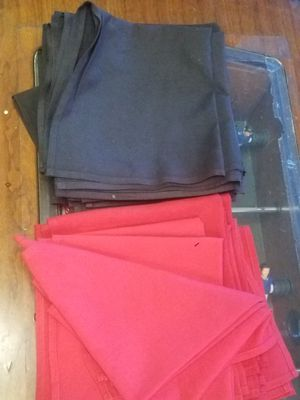Pre Owned Linen Napkins 50cents each for Sale in Shelby Charter Township, MI
