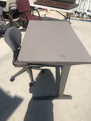 Desk with chair for Sale in Chicago, IL