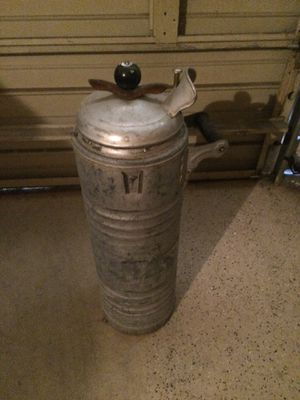 """It is a vintage water fountain with insulated pump. The unit is 27"""" tall and manufactured by dobbins manufacturing Co. Patent # 2180664-2186623, 1055 for Sale in Carrollton, TX"""