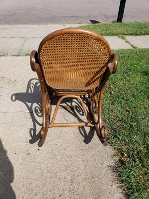 Vintage rocking chair for Sale in Eau Claire, WI