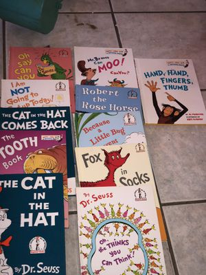 11 Like New Dr Seuss Books (Classic) for Sale in Metairie, LA