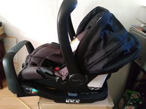 evenflo baby car seat clean for Sale in Philadelphia, PA