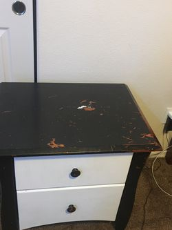 Bedside Table 2pc for Sale in Hillsboro,  OR