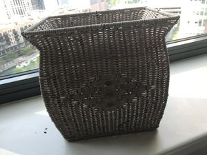 Wicker 🧺 Waste / Plant / Holder Basket for Sale in Chicago, IL