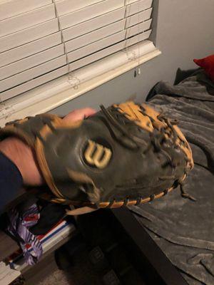 wilson a2000 catcher glove for Sale in Long Beach, CA