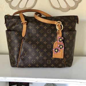 Authentic Louis Vuitton Totally MM for Sale in Ontario, CA