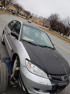 Vendo mi 2004 honda civic 4 puerta DX para partes o lo arreglas for Sale in Silver Spring, MD