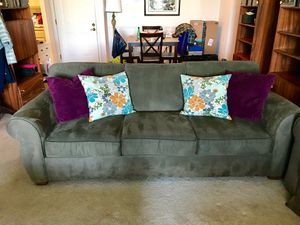 Great couch - Make me an offer! for Sale in Arlington, VA