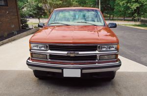 By owner98 Chevy Silverado immaculate condition!! for Sale in Killeen, TX
