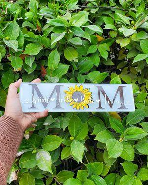 Sunflower mom sign for Sale in Fresno, CA