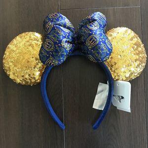 Original Disney Club 33 Mickey ears with bag! for Sale in Santa Ana, CA