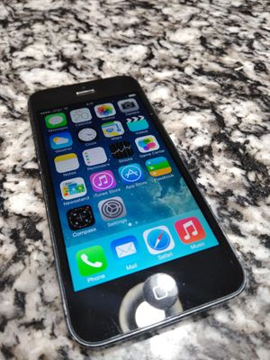 iPhone 5 unlock for all carriers everything works for Sale in Chicago Ridge, IL