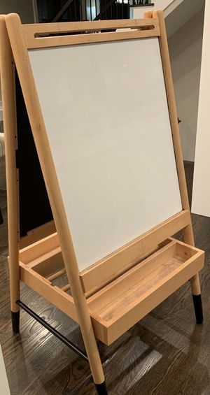 LARGE EASEL BOARD for Sale in Chicago, IL