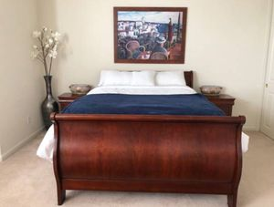 Queen bed with night stands for Sale in Castro Valley, CA