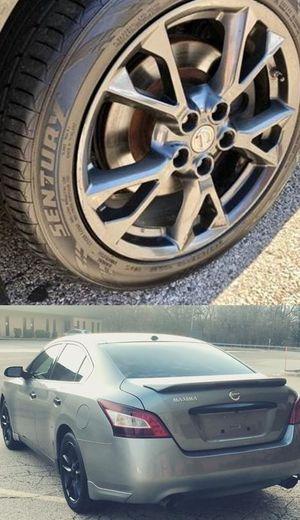 $1200 Nissan Maxima for Sale in Moreno Valley, CA