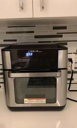 Instant Pot Air Fryer Oven for Sale in Alexandria, VA