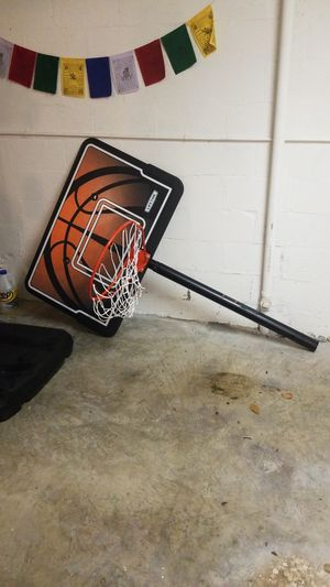 Used Basketball hoop LIFETIME for Sale in Miami, FL