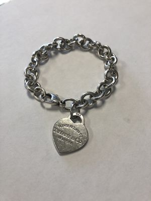 "*Tiffany & Co Sterling Silver Solid Chinky bracelet Plain Heart 17"" #I-3711 for Sale in Revere, MA"