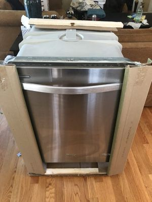 Whirlpool Dishwasher for Sale in Greenville, NC