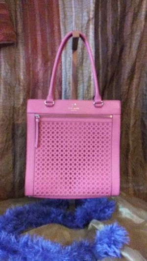KATE SPADE LYNNE MESSENGER BAG NEW WITH TAGS for Sale in Palm Springs, CA