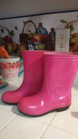 Girls rain boots, size 11, pink for Sale in Victorville, CA