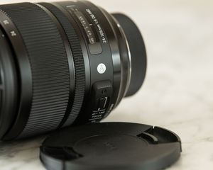Sigma Art Lens 24-105 F/4 Nikon F Mint+++ and lens calibration dock for Sale in Playa del Rey, CA