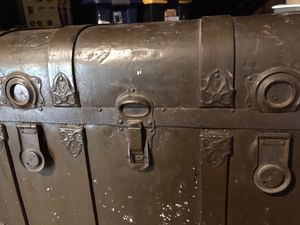 Antique shipping trunk for Sale in Silver Spring, MD