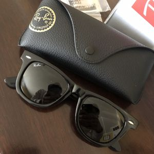 Unisex new Style Wayfer Sunglasses ! W/box ! No Trades ! for Sale in Silver Spring, MD