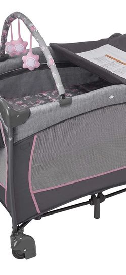Evenflo Portable Playard Playpen for Sale in Portland,  OR