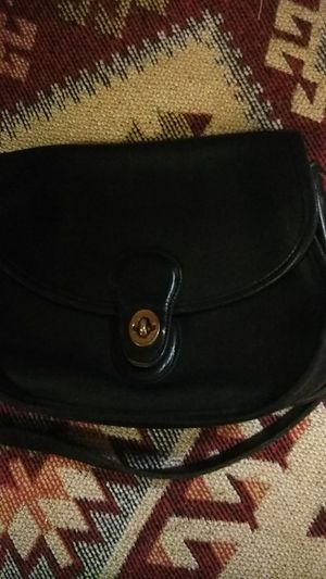 Coach cross body bag for Sale in St. Louis, MO