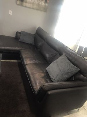 Sectional couch for Sale in Glendale, CA