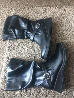 Girl boots size 4. good condition. Only serious buyers for Sale in West Valley City, UT