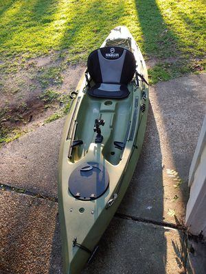 10.5 angler kayak with paddles for Sale in Spring, TX