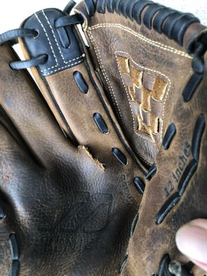 Lefty baseball glove for Sale in Herndon, VA