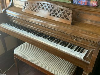 Kimball Upright Piano for Sale in Chicago,  IL