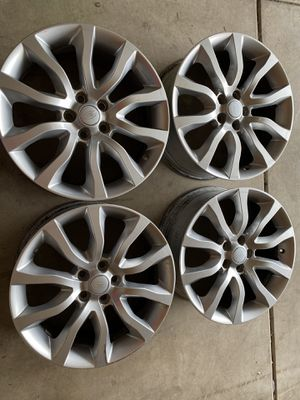 20x8 Range Rover sport hse wheels for Sale in Plainfield, IL