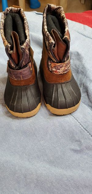 Snow boots Toddler size 7 ozark trail for Sale in Clinton Township, MI