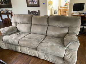 Double recliner couch and love seat for Sale in Temecula, CA