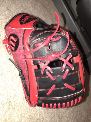Brand new Wilson A2000 12.25in softball glove for Sale in Winter Garden, FL