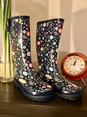 Woman's Rain boots Adult Size (6) for Sale in Winder, GA