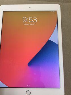iPad Pro (9.7-inches) for Sale in Everett,  WA