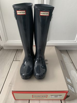 NEW HUNTER Rain boots 6US for Sale in Hemet, CA