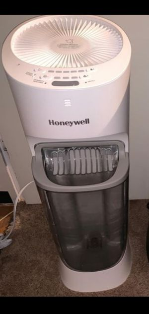 Honeywell Top Fill Tower Humidifier for Sale in Brockton, MA