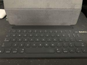 iPad Pro, iPad Air, iPad (2019) — Smart Keyboard for Sale in Miami, FL