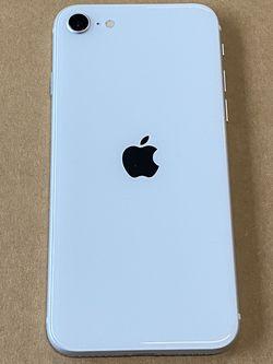 iPhone SE 2020 64GB Silver Unlocked for Sale in Seattle,  WA