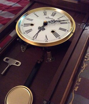 Antique clock for Sale in Lynn, MA