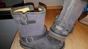 UGG Boots for Girl Toddler Size 6 for Sale in Springfield, OR